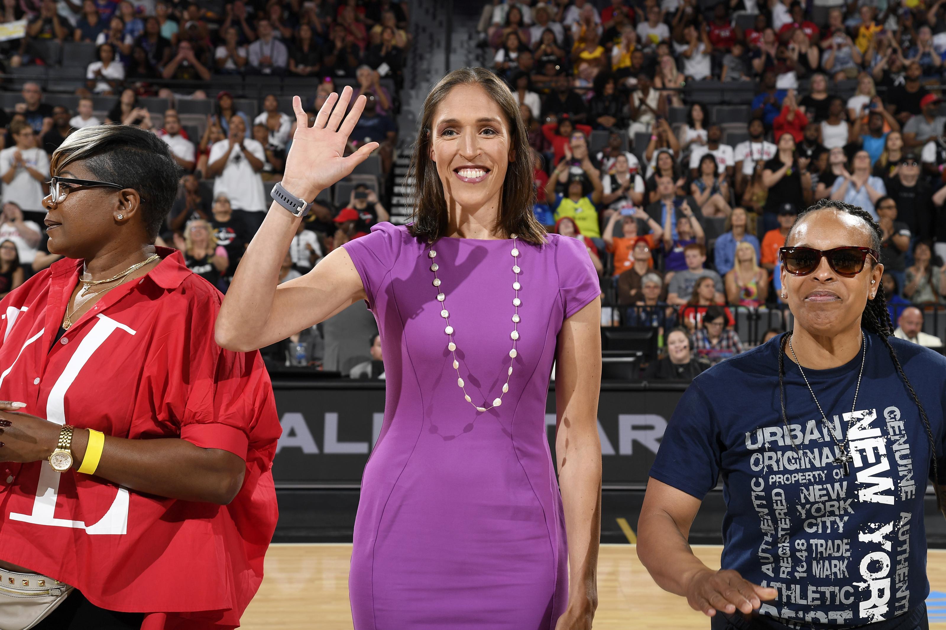 Women's basketball: Rebecca Lobo to Receive NCAA award