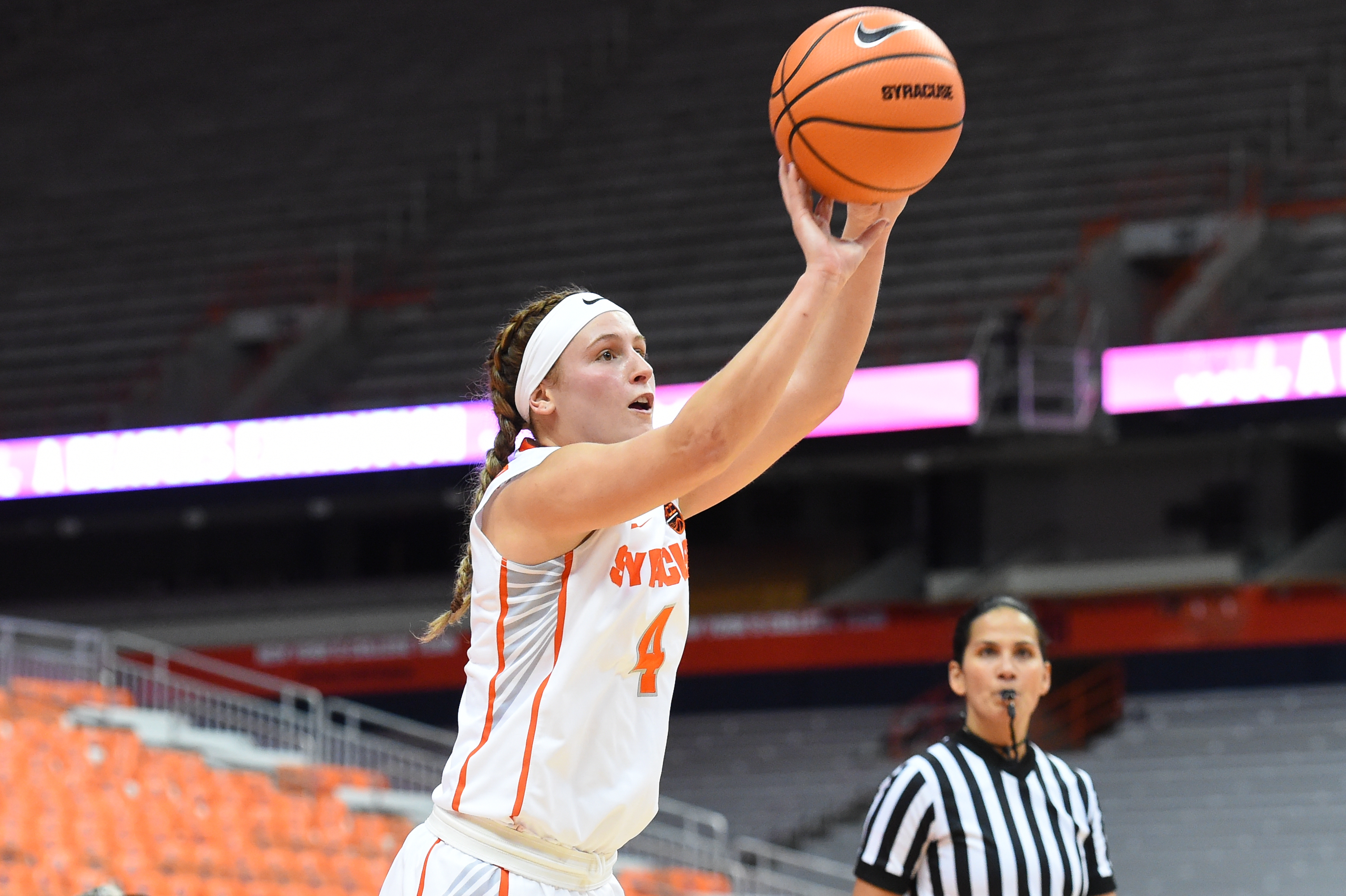 Women\u0027s basketball news: Mangakahia gives Syracuse a playmaker ...